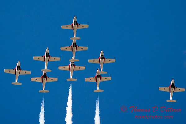 1419 - The RCAF Snowbirds performance at Wings over Waukegan 2012