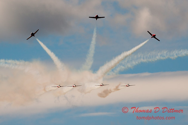 1430 - The RCAF Snowbirds performance at Wings over Waukegan 2012