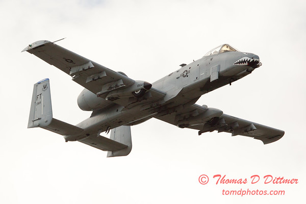 842 - A-10 East flies by Wings over Waukegan 2012