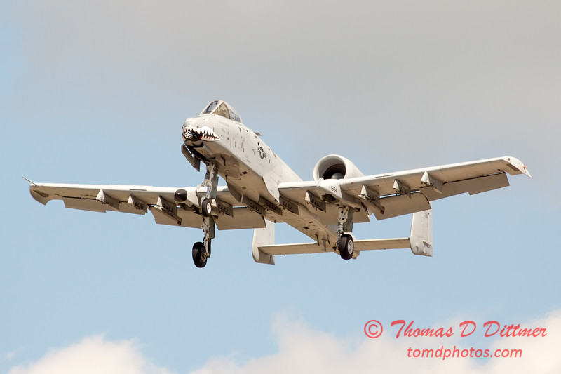 711 - A-10 East performs at Wings over Waukegan 2012