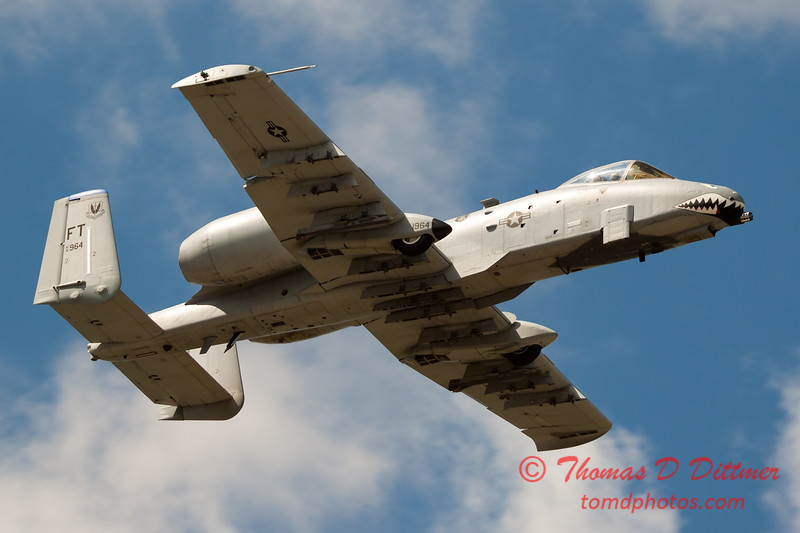 822 - A-10 East flies by Wings over Waukegan 2012