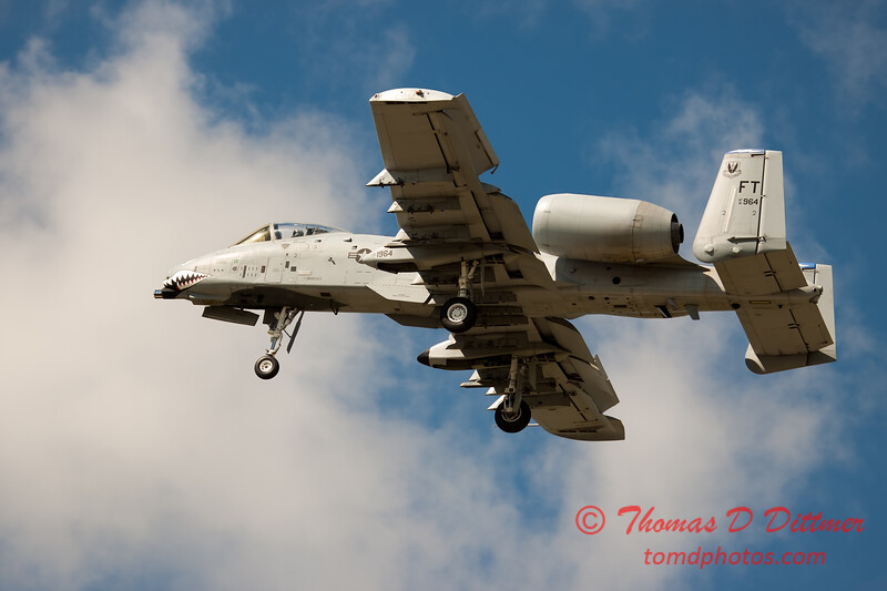 719 - A-10 East performs at Wings over Waukegan 2012