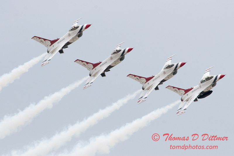 1147 - US Air Force Thunderbirds Sunday performance in F16 Fighting Falcons at the 2012 Rockford Airfest - Chicago Rockford International Airport - Rockford Illinois - Sunday June 3rd 2012