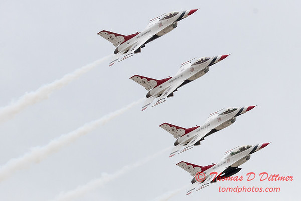 1149 - US Air Force Thunderbirds Sunday performance in F16 Fighting Falcons at the 2012 Rockford Airfest - Chicago Rockford International Airport - Rockford Illinois - Sunday June 3rd 2012