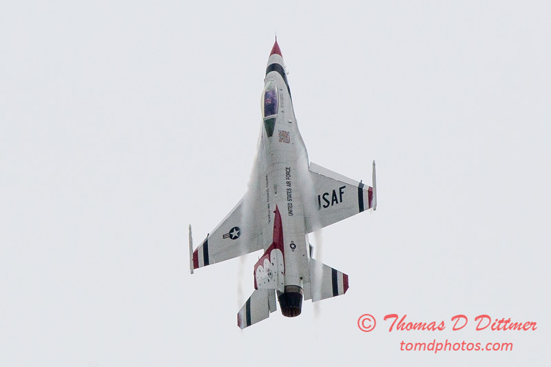 1146 - US Air Force Thunderbirds Sunday performance in F16 Fighting Falcons at the 2012 Rockford Airfest - Chicago Rockford International Airport - Rockford Illinois - Sunday June 3rd 2012