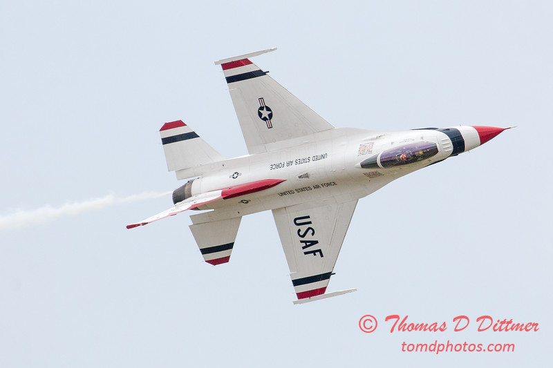 1194 - US Air Force Thunderbirds Sunday performance in F16 Fighting Falcons at the 2012 Rockford Airfest - Chicago Rockford International Airport - Rockford Illinois - Sunday June 3rd 2012