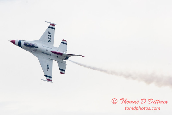 1090 - US Air Force Thunderbirds Sunday performance in F16 Fighting Falcons at the 2012 Rockford Airfest - Chicago Rockford International Airport - Rockford Illinois - Sunday June 3rd 2012