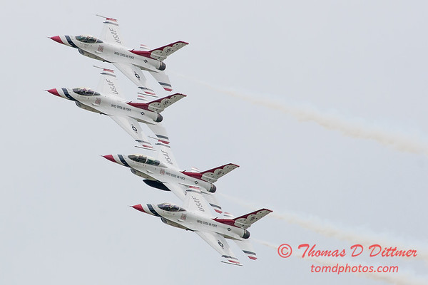 1081 - US Air Force Thunderbirds Sunday performance in F16 Fighting Falcons at the 2012 Rockford Airfest - Chicago Rockford International Airport - Rockford Illinois - Sunday June 3rd 2012