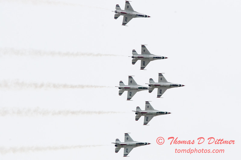 1171 - US Air Force Thunderbirds Sunday performance in F16 Fighting Falcons at the 2012 Rockford Airfest - Chicago Rockford International Airport - Rockford Illinois - Sunday June 3rd 2012