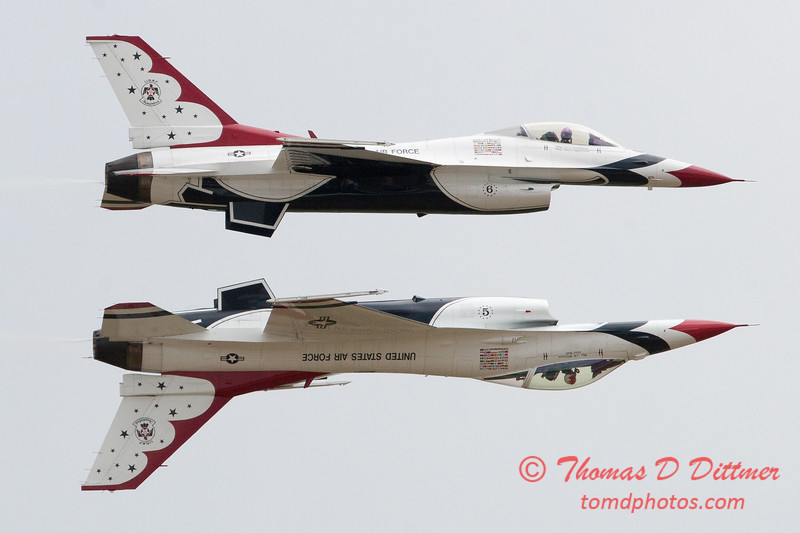 1184 - US Air Force Thunderbirds Sunday performance in F16 Fighting Falcons at the 2012 Rockford Airfest - Chicago Rockford International Airport - Rockford Illinois - Sunday June 3rd 2012