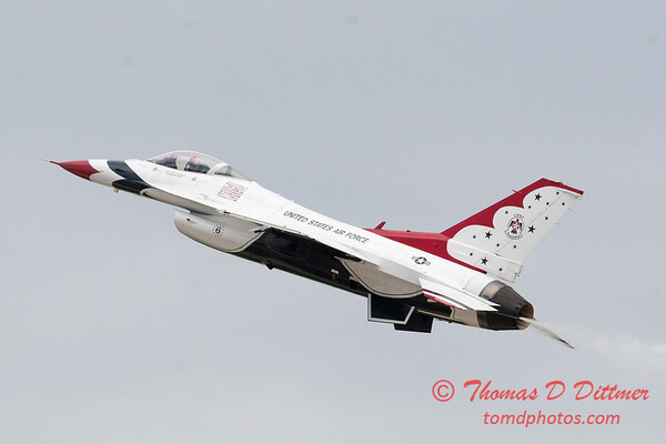 1136 - US Air Force Thunderbirds Sunday performance in F16 Fighting Falcons at the 2012 Rockford Airfest - Chicago Rockford International Airport - Rockford Illinois - Sunday June 3rd 2012
