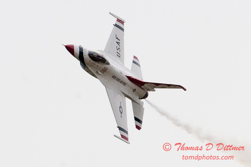 1152 - US Air Force Thunderbirds Sunday performance in F16 Fighting Falcons at the 2012 Rockford Airfest - Chicago Rockford International Airport - Rockford Illinois - Sunday June 3rd 2012