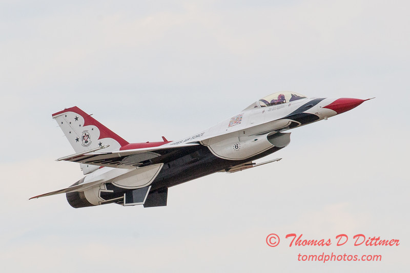 1067 - US Air Force Thunderbirds Sunday performance in F16 Fighting Falcons at the 2012 Rockford Airfest - Chicago Rockford International Airport - Rockford Illinois - Sunday June 3rd 2012