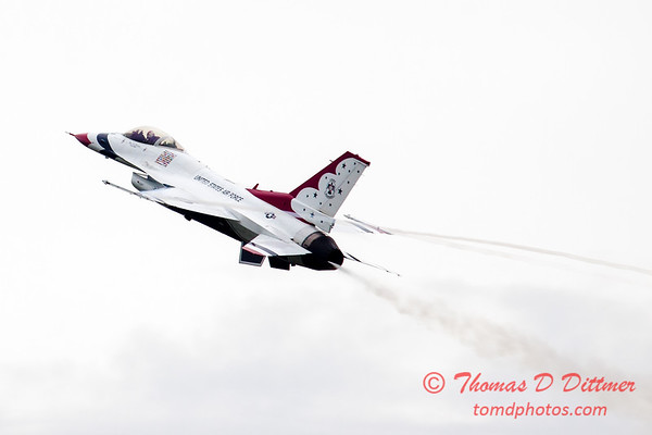 208 - Friday Practice at the Quad City Air Show - Davenport Municipal Airport - Davenport Iowa - August 31st
