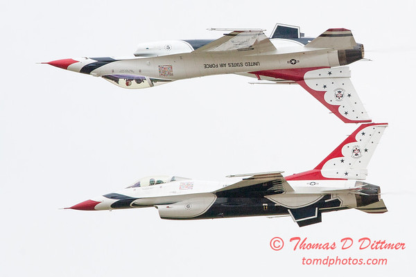 1119 - US Air Force Thunderbirds Sunday performance in F16 Fighting Falcons at the 2012 Rockford Airfest - Chicago Rockford International Airport - Rockford Illinois - Sunday June 3rd 2012
