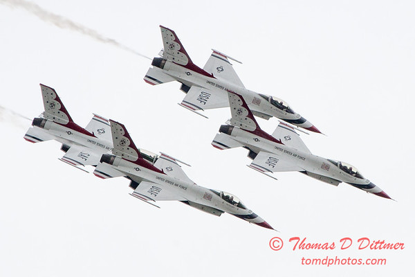 1103 - US Air Force Thunderbirds Sunday performance in F16 Fighting Falcons at the 2012 Rockford Airfest - Chicago Rockford International Airport - Rockford Illinois - Sunday June 3rd 2012