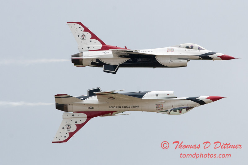1183 - US Air Force Thunderbirds Sunday performance in F16 Fighting Falcons at the 2012 Rockford Airfest - Chicago Rockford International Airport - Rockford Illinois - Sunday June 3rd 2012