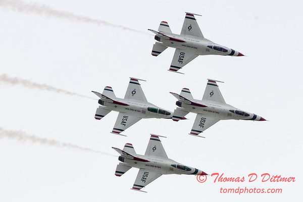 1100 - US Air Force Thunderbirds Sunday performance in F16 Fighting Falcons at the 2012 Rockford Airfest - Chicago Rockford International Airport - Rockford Illinois - Sunday June 3rd 2012