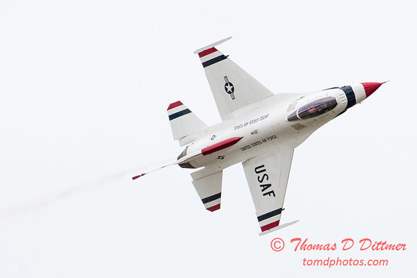 1109 - US Air Force Thunderbirds Sunday performance in F16 Fighting Falcons at the 2012 Rockford Airfest - Chicago Rockford International Airport - Rockford Illinois - Sunday June 3rd 2012