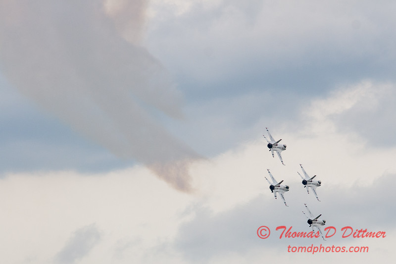 1116 - US Air Force Thunderbirds Sunday performance in F16 Fighting Falcons at the 2012 Rockford Airfest - Chicago Rockford International Airport - Rockford Illinois - Sunday June 3rd 2012