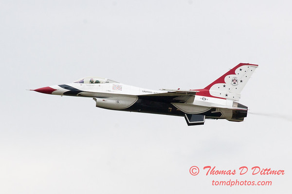 1128 - US Air Force Thunderbirds Sunday performance in F16 Fighting Falcons at the 2012 Rockford Airfest - Chicago Rockford International Airport - Rockford Illinois - Sunday June 3rd 2012