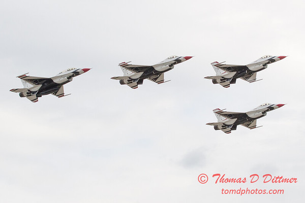 1063 - US Air Force Thunderbirds Sunday performance in F16 Fighting Falcons at the 2012 Rockford Airfest - Chicago Rockford International Airport - Rockford Illinois - Sunday June 3rd 2012