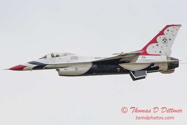 1078 - US Air Force Thunderbirds Sunday performance in F16 Fighting Falcons at the 2012 Rockford Airfest - Chicago Rockford International Airport - Rockford Illinois - Sunday June 3rd 2012