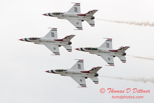 1085 - US Air Force Thunderbirds Sunday performance in F16 Fighting Falcons at the 2012 Rockford Airfest - Chicago Rockford International Airport - Rockford Illinois - Sunday June 3rd 2012