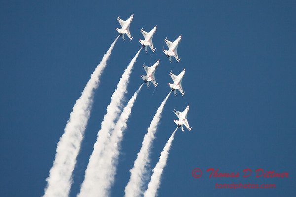 427 -  2015 Milwaukee Air & Water Show - Bradford Beach - Milwaukee Wisconsin