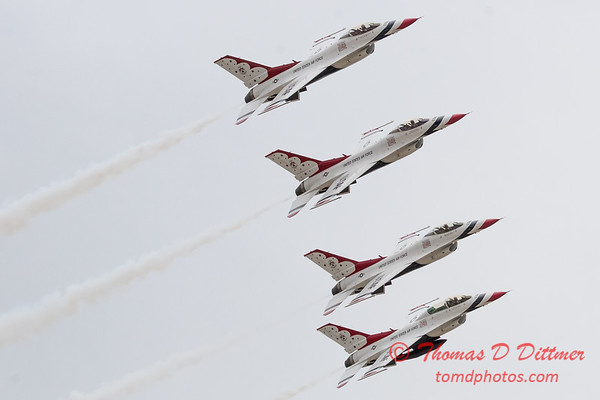 1150 - US Air Force Thunderbirds Sunday performance in F16 Fighting Falcons at the 2012 Rockford Airfest - Chicago Rockford International Airport - Rockford Illinois - Sunday June 3rd 2012