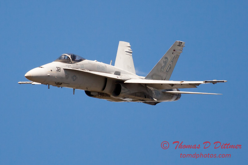 1201 - VFA 106 Hornet East F/A-18 performing at Wings over Waukegan 2012