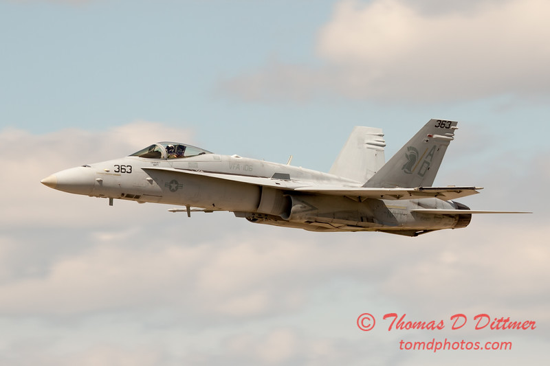 1105 - VFA 106 Hornet East F/A-18 performing at Wings over Waukegan 2012