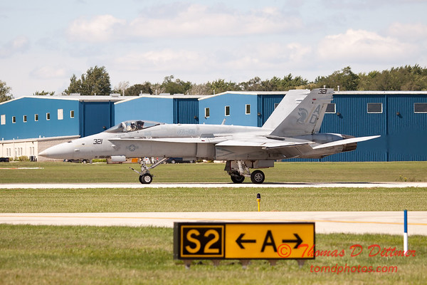 1282 - VFA 106 Hornet East F/A-18 performing at Wings over Waukegan 2012