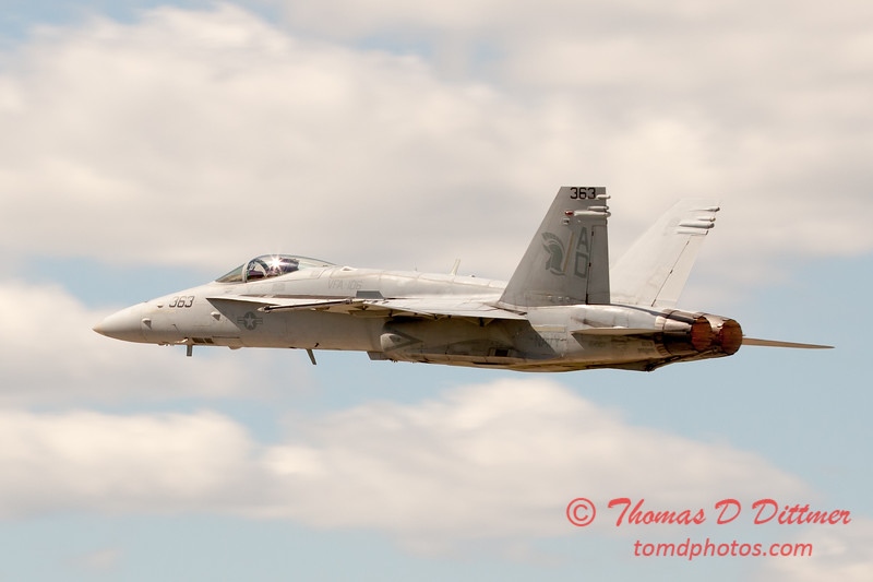 1107 - VFA 106 Hornet East F/A-18 performing at Wings over Waukegan 2012