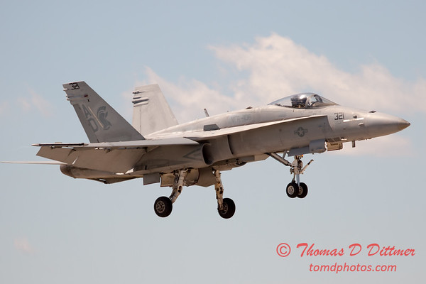 1264 - VFA 106 Hornet East F/A-18 performing at Wings over Waukegan 2012