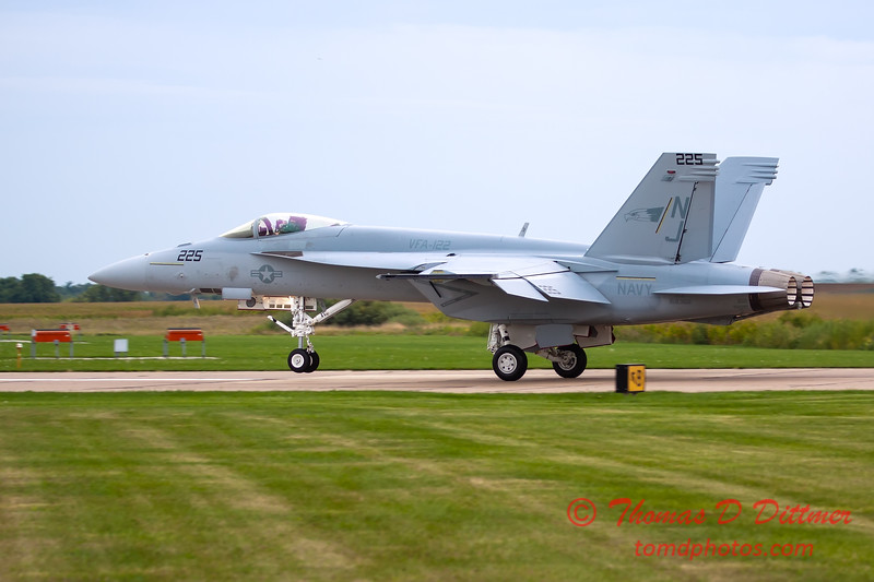 479 - Friday Practice at the Quad City Air Show - Davenport Municipal Airport - Davenport Iowa - August 31st