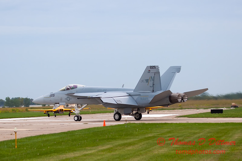 526 - Friday Practice at the Quad City Air Show - Davenport Municipal Airport - Davenport Iowa - August 31st