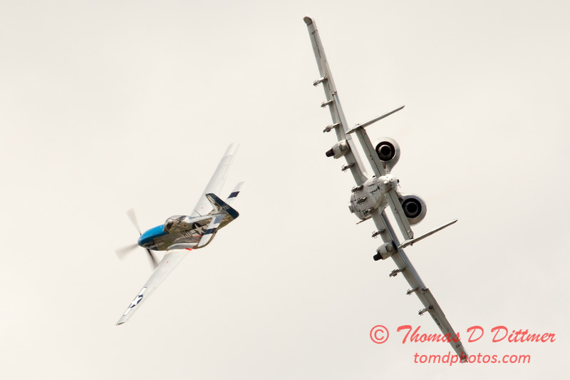 """800 - Vlado Lenoch in his P-51 Mustang and A-10 East in the """"Heritage Break"""" at Wings over Waukegan 2012"""