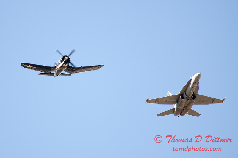 1302 - F4U Corsair and VFA 106 Hornet East F/A-18 US Navy Legacy Flight performing at Wings over Waukegan 2012