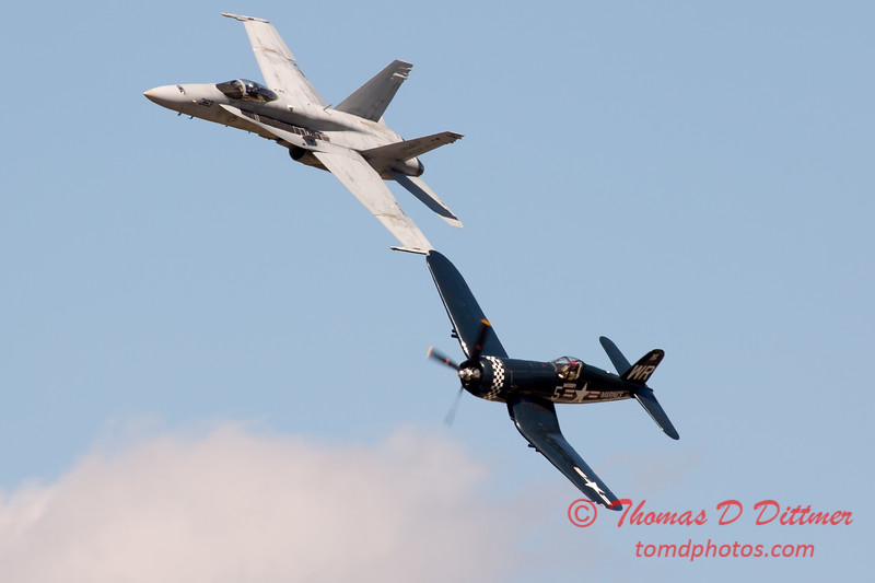 1284 - F4U Corsair and VFA 106 Hornet East F/A-18 US Navy Legacy Flight performing at Wings over Waukegan 2012