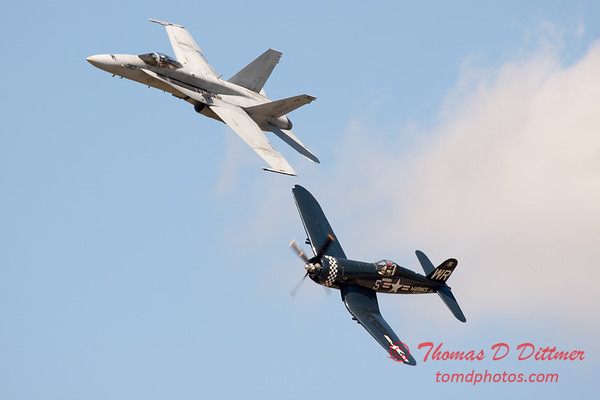 1288 - F4U Corsair and VFA 106 Hornet East F/A-18 US Navy Legacy Flight performing at Wings over Waukegan 2012