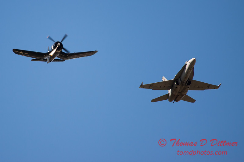 1301 - F4U Corsair and VFA 106 Hornet East F/A-18 US Navy Legacy Flight performing at Wings over Waukegan 2012