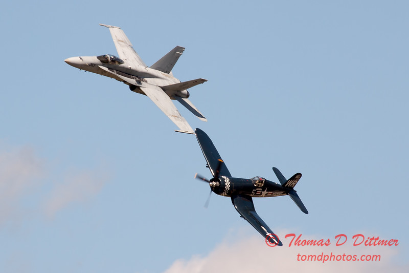 1285 - F4U Corsair and VFA 106 Hornet East F/A-18 US Navy Legacy Flight performing at Wings over Waukegan 2012