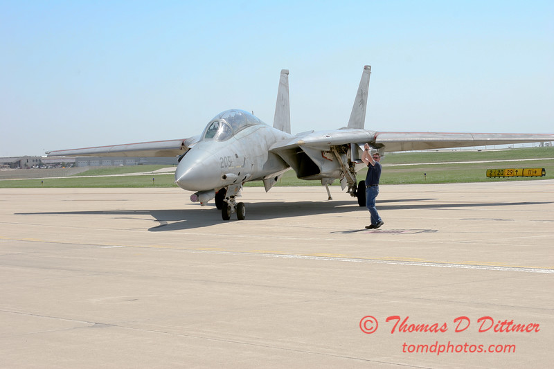 17 - The arrival of a F14 Tomcat completing its last flight -  Bloomington Illinois - April 13 2006