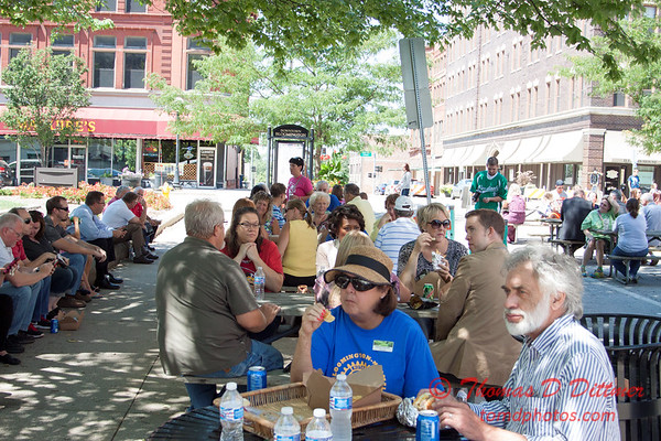 39 - 2015 Bloomington - Normal Sunrise Rotary Brats & Bags - Downtown Square - Bloomington Illinois