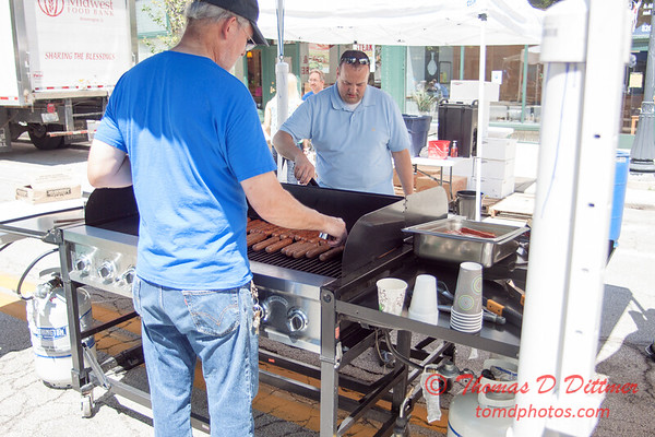 54 - 2015 Bloomington - Normal Sunrise Rotary Brats & Bags - Downtown Square - Bloomington Illinois