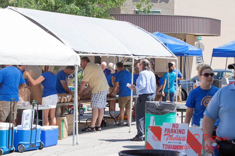25 - 2015 Bloomington - Normal Sunrise Rotary Brats & Bags - Downtown Square - Bloomington Illinois