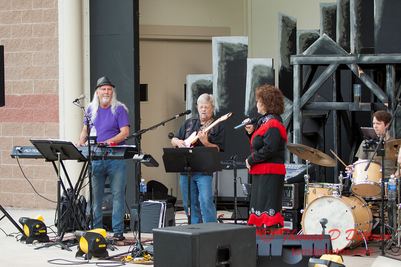 33 - 2015 Concert Series - Pearl Handle Band and Mary Pfeifer - Connie Link Amphitheatre - Normal Illinois