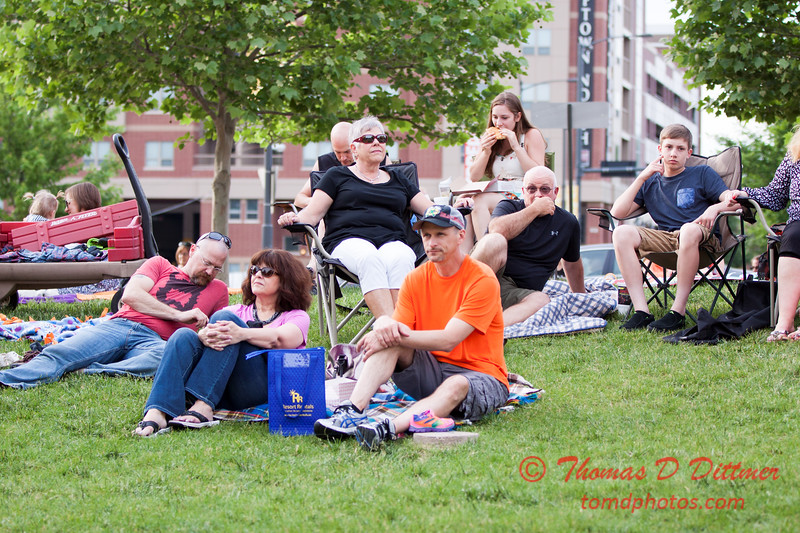 12 - 2015 Loungeabout the Roundabout - Big on Blondes - Uptown Circle - Normal Illinois