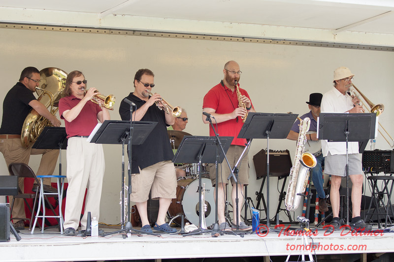 3 - 2015 Lunchtime Concerts - Prairieland Dixie Band - Withers Park - Bloomington Illinois